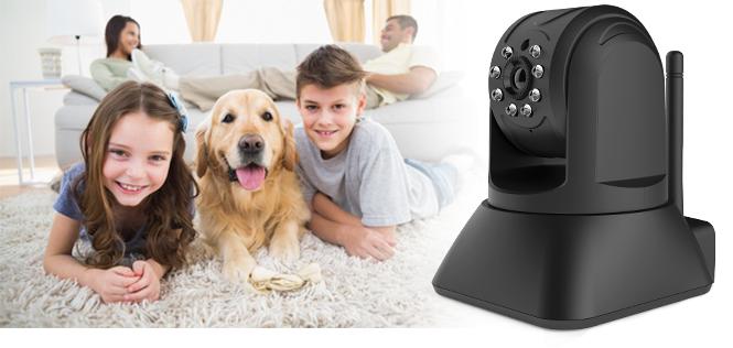 rodzina odpoczywająca z psem w domu
